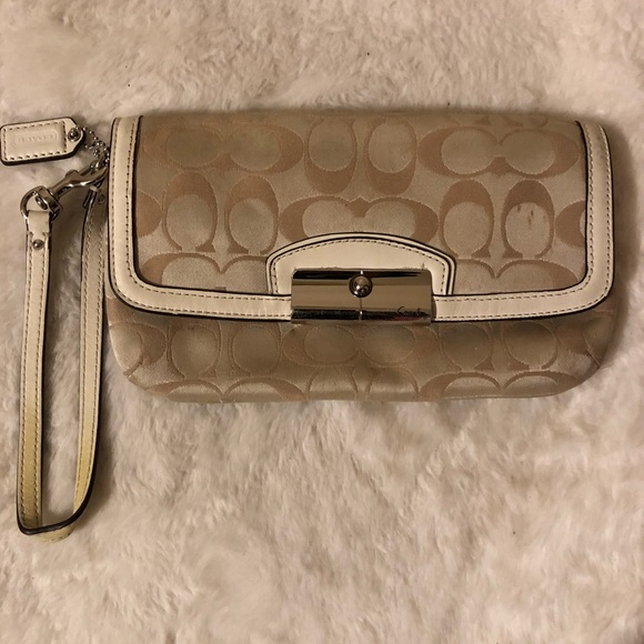 Coach Handbags - Auth Coach Wristlet